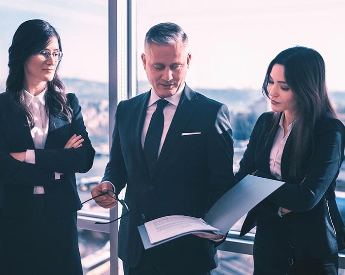 avukatlar; hukuk; gayrimenkul; ticaret; iş; idare; aile; boşanma; dava; hukuku;